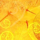 逐渐变黄黄色蜻蜓华丽叶子透亮层数摘要墙纸瓦片 库存照片