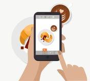 递举行智能手机,触摸屏和采取社会网络的食物摄影 向量 做早餐照片 库存照片