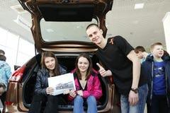 递交2016年2月14日在陈列室Severavto新的俄国汽车Lada X-射线的介绍 免版税库存照片