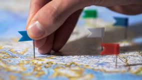 递做别针标记在加拿大地图,旅行目的地,公司分部 免版税图库摄影