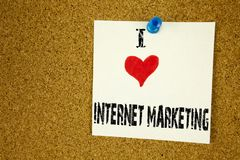 递文字文本说明我爱互联网营销概念意思技术书面的战略设计爱的启发陈列 图库摄影