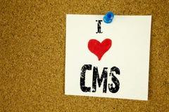 递文字文本说明我爱意味CMS万维网爱的CMS概念写在稠粘的笔记的启发陈列,提示被隔绝 库存照片