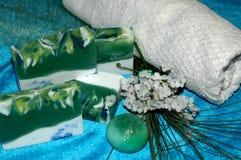 递有柠檬油和香草的温泉治疗的, handmad肥皂 库存图片