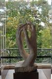 递罗丹雕塑  免版税库存图片