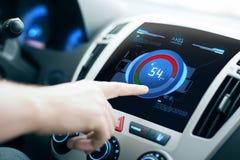 递设置在汽车音频立体音响系统的容量 免版税库存照片