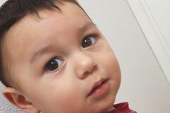 逗人喜爱男婴的特写镜头 免版税库存照片
