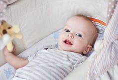 逗人喜爱男婴微笑 库存图片