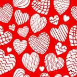逗人喜爱的乱画心脏无缝的样式 免版税库存图片