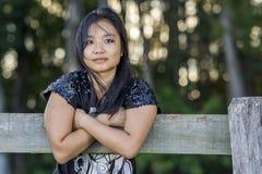 逗人喜爱的亚裔女孩 免版税库存照片