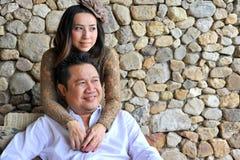 逗人喜爱的亚洲夫妇 图库摄影