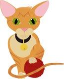 逗人喜爱的使用与毛线球的姜橙色小猫  库存照片