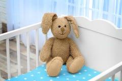 逗人喜爱的兔宝宝玩具 免版税图库摄影