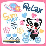 逗人喜爱的动画片熊猫女孩骑马自行车 免版税库存照片