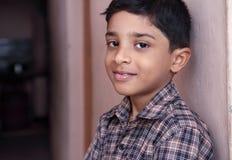 逗人喜爱的印地安小男孩 库存图片