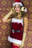 逗人喜爱的圣诞老人妇女 免版税库存照片