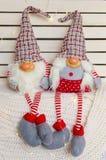 逗人喜爱的圣诞节地精家庭  库存图片
