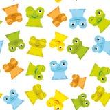 逗人喜爱的在白色背景,无缝的样式的动画片滑稽的青蛙集合黄色青绿的桔子 向量 免版税库存照片
