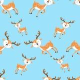 逗人喜爱的在蓝色背景的动画片鹿无缝的样式 向量例证