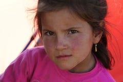 逗人喜爱的女孩小的纵向 免版税图库摄影