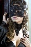 逗人喜爱的女孩屏蔽化妆舞会 免版税库存图片