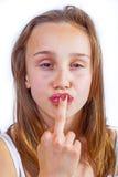 逗人喜爱的女孩纵向少年年轻人 免版税图库摄影