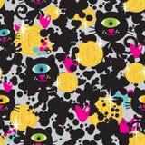 逗人喜爱的妖怪猫和金钱无缝的样式。 免版税库存图片