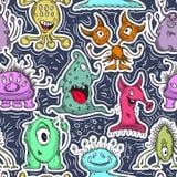 逗人喜爱的妖怪仿造无缝 漫画人物儿童五颜六色的图象例证 免版税库存图片