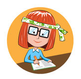 逗人喜爱的学生女孩文字坐书桌 库存图片