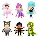 逗人喜爱的孩子传染媒介动画片在被设置的动物服装中 狂欢节克洛 皇族释放例证
