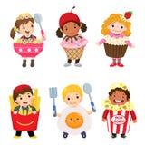 逗人喜爱的孩子传染媒介动画片在被设置的食物服装的 狂欢节布料 库存例证