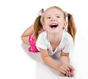 逗人喜爱的微笑的小女孩纵向  免版税图库摄影