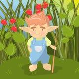 逗人喜爱的拖钓男孩字符,站立与在五颜六色草莓的领域backround的钓鱼竿的滑稽的生物  皇族释放例证
