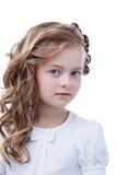 逗人喜爱的有雀斑的女孩画象,隔绝在白色 库存图片