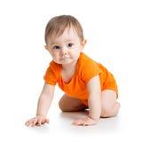 逗人喜爱的爬行的男婴 库存照片
