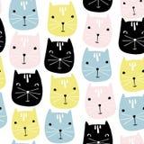 逗人喜爱的猫面孔无缝的样式 传染媒介幼稚背景 免版税库存照片