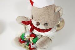 逗人喜爱的玩具熊的圣诞快乐 库存图片