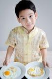 年轻逗人喜爱的男孩画象  免版税库存照片