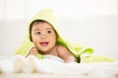 逗人喜爱的男婴 免版税图库摄影