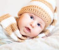 逗人喜爱的矮小的婴孩 免版税库存照片