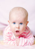 逗人喜爱的蓝眼睛婴孩 库存图片