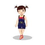 逗人喜爱的闪光的小女孩在暑假穿长裤、汗衫和拖鞋 免版税库存照片