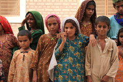 逗人喜爱的难民子项在巴基斯坦 免版税库存照片