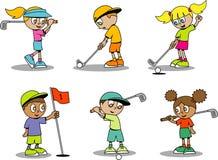 逗人喜爱的高尔夫球孩子 免版税库存照片