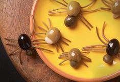 逗人喜爱的鬼的万圣夜蜘蛛开胃菜 免版税库存图片