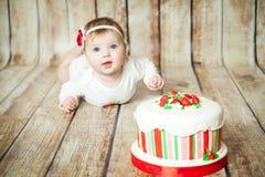 逗人喜爱的6个月女婴 免版税库存照片