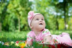 逗人喜爱的婴孩女孩 免版税库存图片