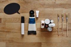 通信和艺术家工具在创造性的过程中 库存照片