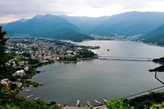 Mont富士最近的湖美丽的景色在日本 免版税库存图片