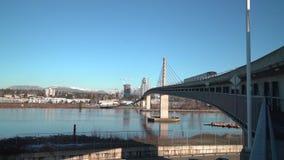 通勤者路轨桥梁温哥华不列颠哥伦比亚省4K UHD 股票录像