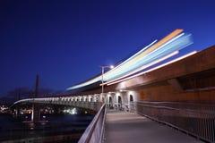 通勤者铁路运输在黎明,温哥华 库存图片